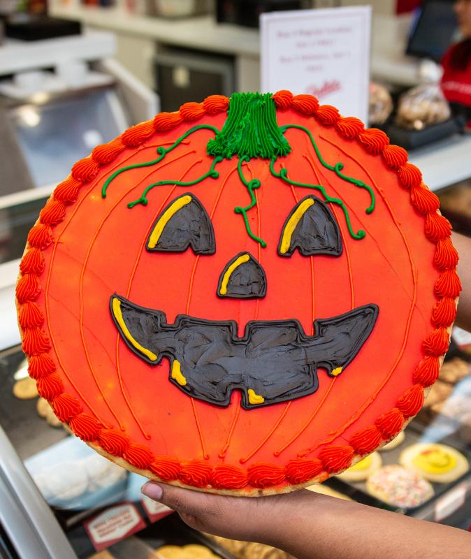 great american cookies halloween cake